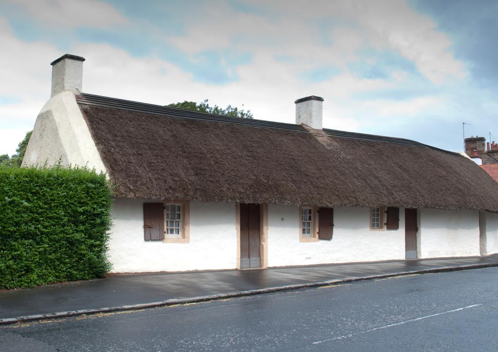 Photo of Robert Burn's childhood home in Ayrshire.